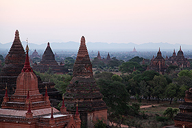 Bagan all'alba